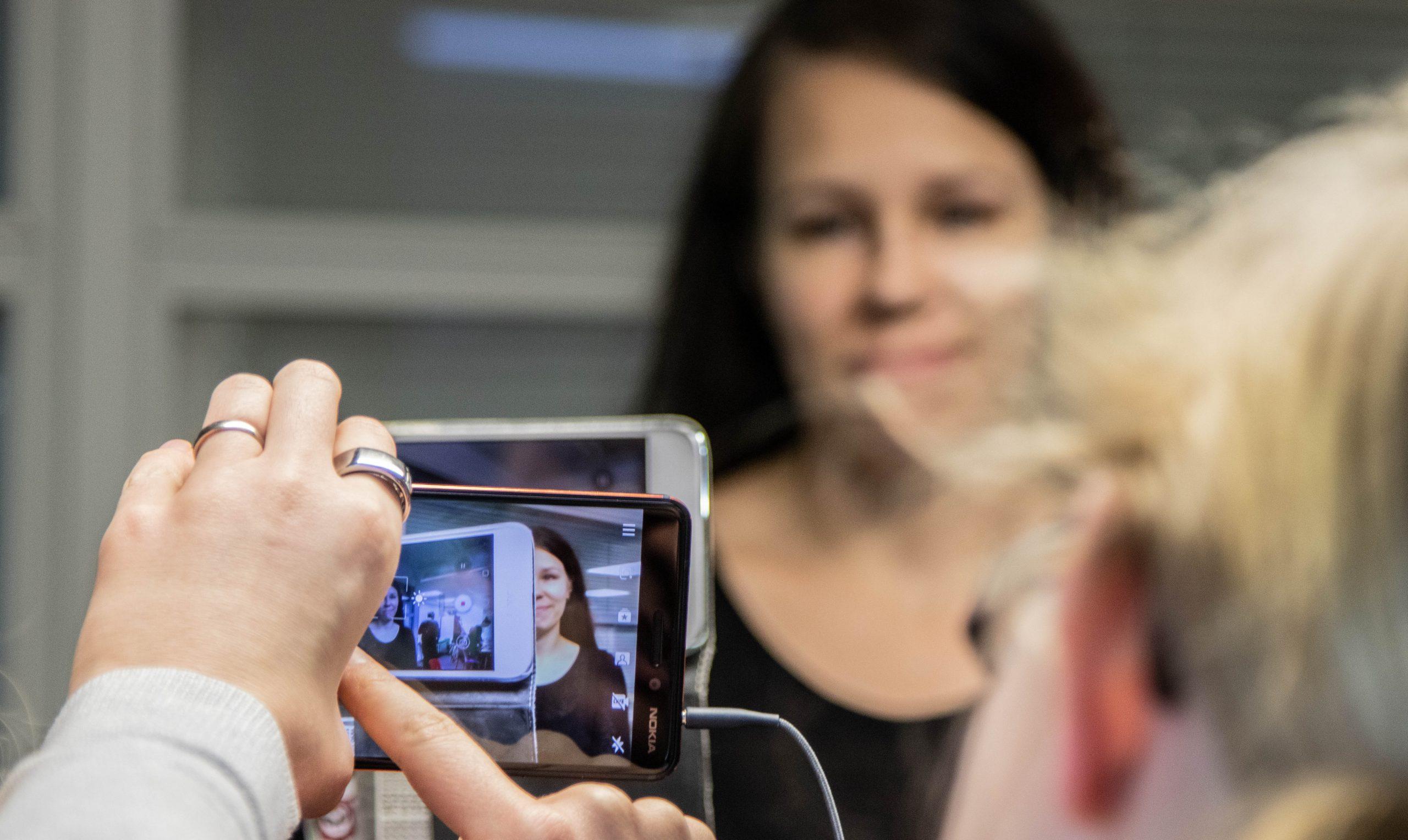 Toteuta vaikuttava kampanja- tai opetusvideo mobiililaitteella -koulutus 1.2.2019 Amazonissa.