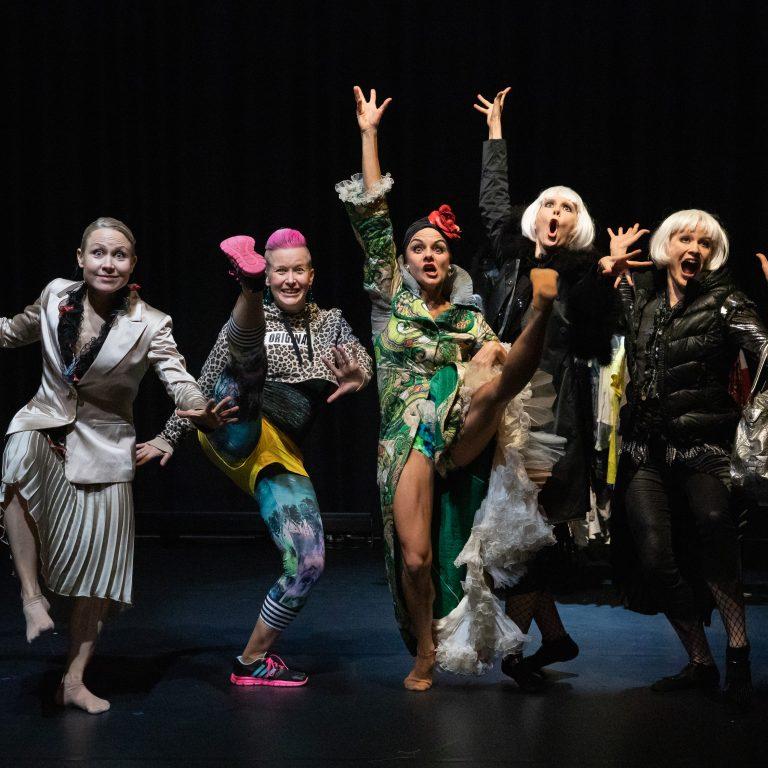 """Kuvituskuva: Willman Dance Companyn lastenproduktio """"Keisarinnan uudet vaatteet"""""""
